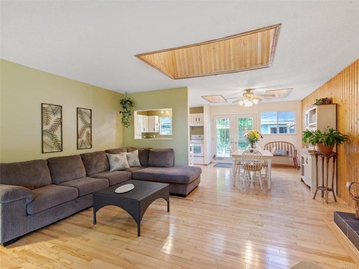 1817 Meadowlark Cres - Na Cedar Single Family Detached for sale, 3 Bedrooms (878252)