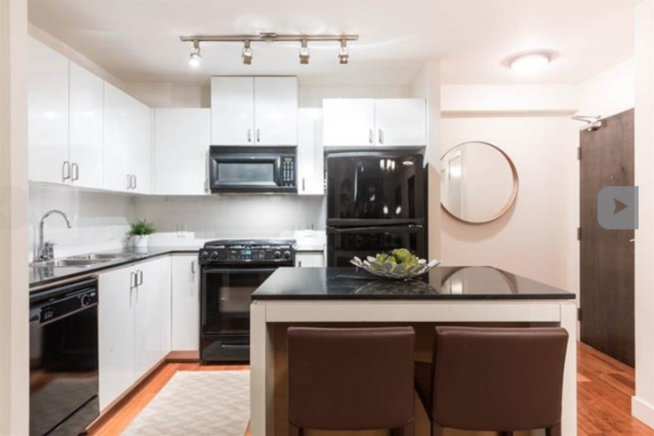 908 151 W 2nd Street - Lower Lonsdale Apartment/Condo for sale, 1 Bedroom (R2193018)