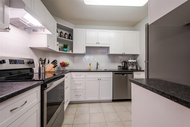 206 1437 FOSTER STREET - White Rock Apartment/Condo for sale, 2 Bedrooms (R2445825)