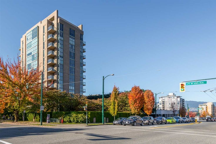 802 1633 W 10TH AVENUE - Fairview VW Apartment/Condo for sale, 3 Bedrooms (R2408424)