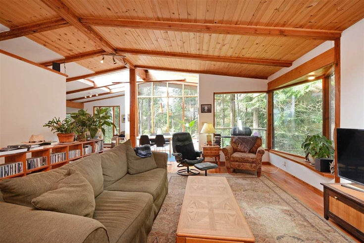 967 WINDJAMMER ROAD - Bowen Island House/Single Family for sale, 2 Bedrooms (R2354068)