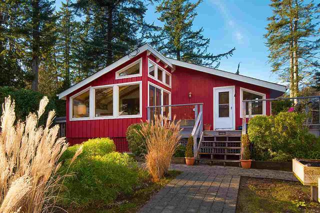1106 Lenora Road, Bowen Island, BC - Bowen Island House/Single Family for sale, 2 Bedrooms (r2333826)
