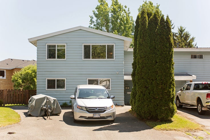 6314 SORREL PLACE - Cloverdale BC 1/2 Duplex for sale, 4 Bedrooms (R2459178)