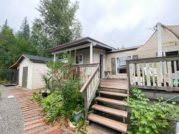 62 - 1400 12TH STREET - Golden Mobile Home for sale, 2 Bedrooms (2460460)