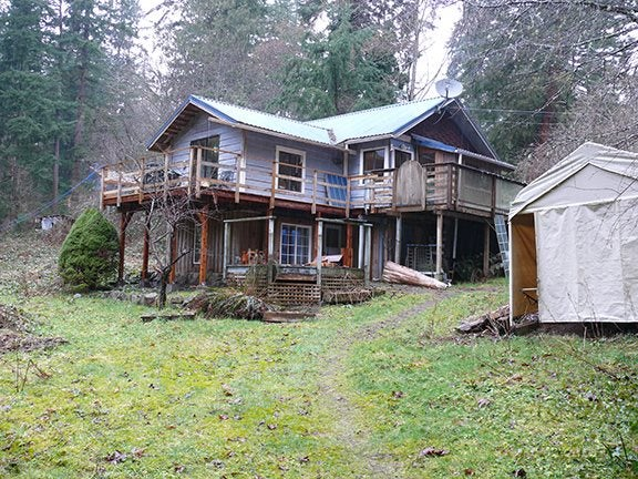 929 Bayview Road - Roberts Creek House/Single Family for sale, 1 Bedroom (r2145495)