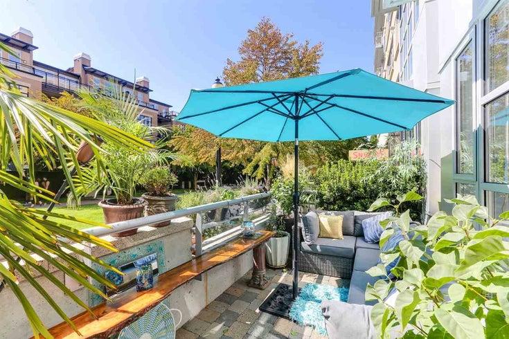 102 2655 CRANBERRY DRIVE - Kitsilano Apartment/Condo for sale, 2 Bedrooms (R2421134)