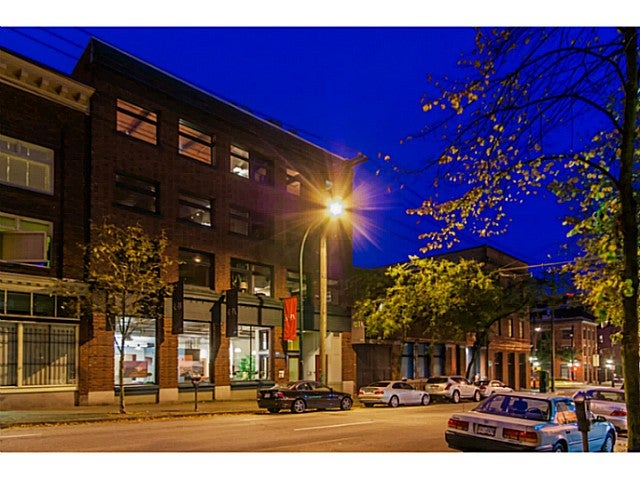 # 32 120 POWELL ST - Downtown VE Apartment/Condo for sale, 2 Bedrooms (V1083217)