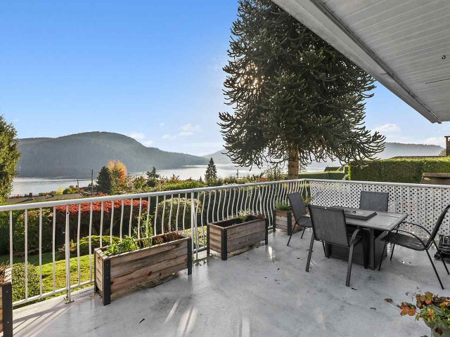 674 ROSLYN BOULEVARD - Dollarton House/Single Family for sale, 5 Bedrooms (R2512924)