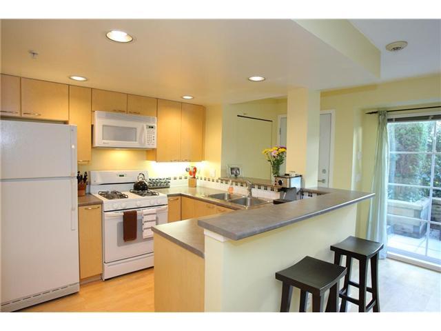 # 222 678 W 7TH AV - Fairview VW Apartment/Condo for sale, 1 Bedroom (V939323)