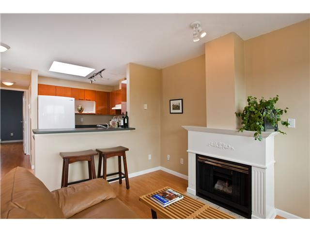# 6 3477 COMMERCIAL ST - Victoria VE Townhouse for sale, 2 Bedrooms (V956727)