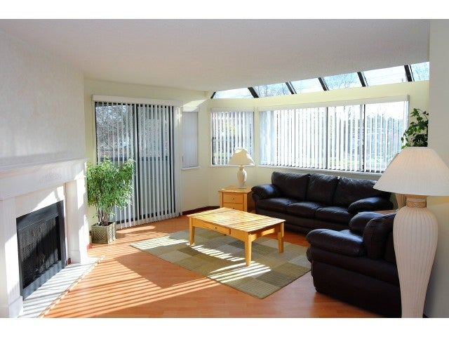 # 5 2110 W 46TH AV - Kerrisdale Apartment/Condo for sale, 2 Bedrooms (V1037481)