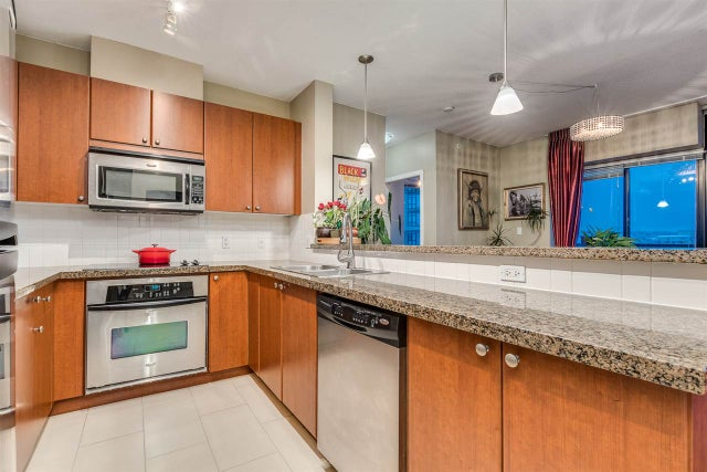 704 11 E ROYAL AVENUE - Fraserview NW Apartment/Condo for sale, 2 Bedrooms (R2539284)