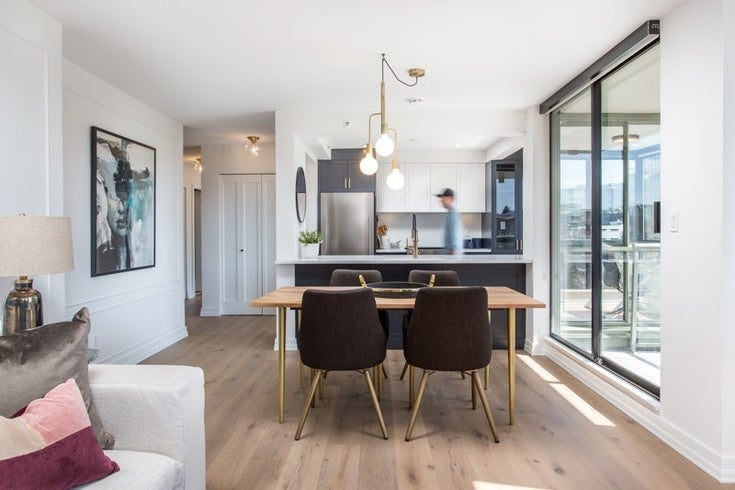 706 2288 PINE STREET - Fairview VW Apartment/Condo for sale, 3 Bedrooms (R2450205)