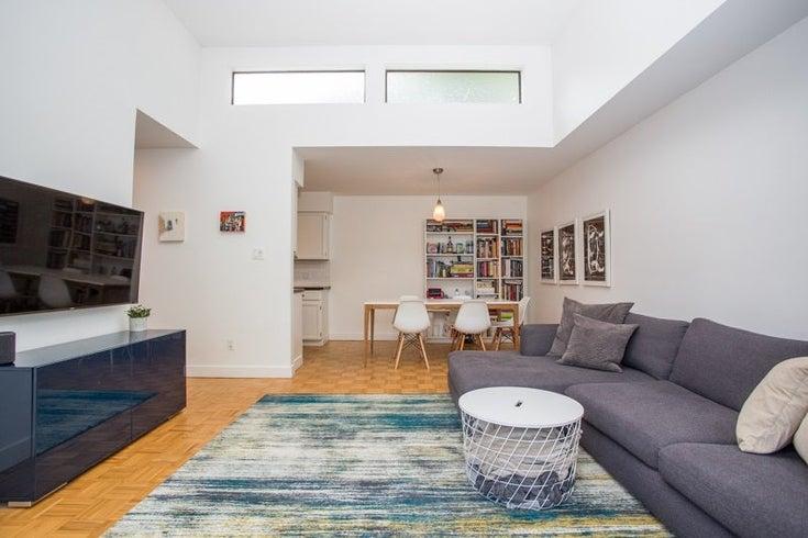 309 1424 WALNUT STREET - Kitsilano Apartment/Condo for sale, 2 Bedrooms (R2477781)