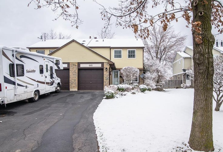 685 Syer Dr - TM Timberlea HOUSE for sale, 3 Bedrooms (OM2070076)