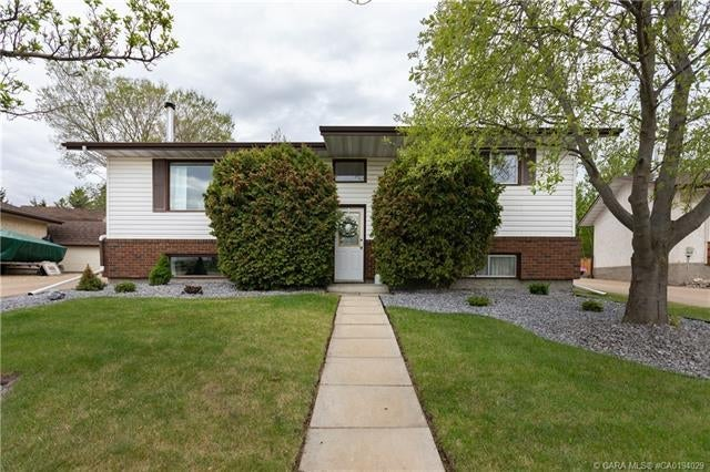 4204 75 Street  - Duggan Park Detached for sale, 4 Bedrooms (CA0194029)