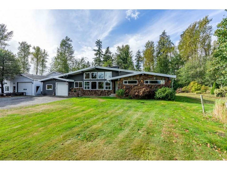 26915 48 AVENUE - Salmon River House with Acreage for sale, 4 Bedrooms (R2501939)