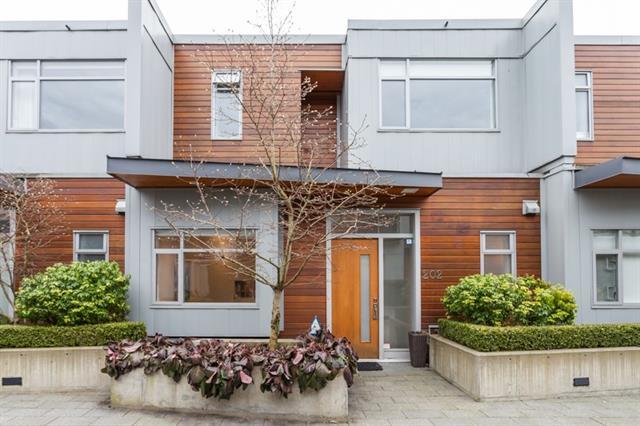 202 1750 W 3rd Avenue - False Creek Townhouse for sale(R2132897)