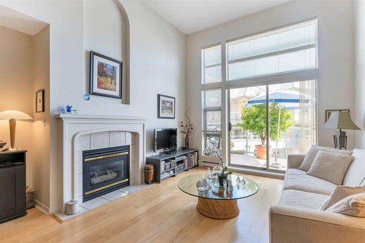 401A 301 MAUDE ROAD - North Shore Pt Moody Apartment/Condo for sale, 1 Bedroom (R2492521)
