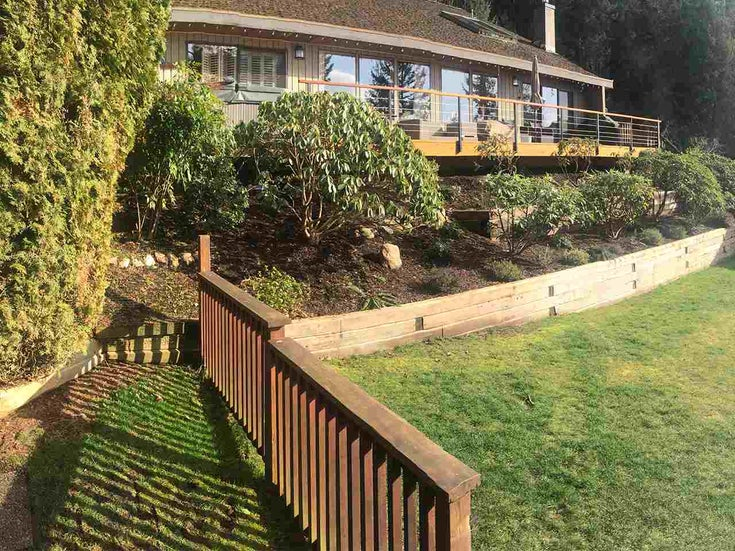 65 SUNSET DRIVE - Lions Bay House/Single Family for sale, 4 Bedrooms (R2553203)