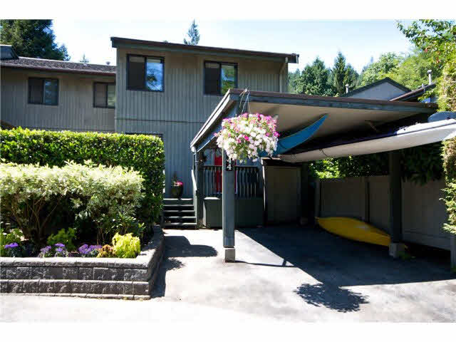 2044 Deep Cove Rd - Deep Cove Townhouse for sale, 4 Bedrooms (R2545208)
