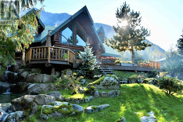 3531 MACKENZIE 20 HIGHWAY - Bella Coola House for sale, 3 Bedrooms (R2570683)