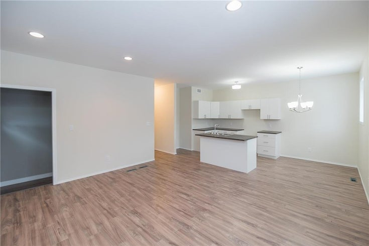321 Pritchard Avenue - Winnipeg House for sale, 2 Bedrooms (202108666)
