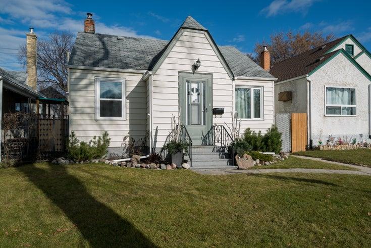 425 Inkster Boulevard - Winnipeg Single Family for sale, 2 Bedrooms (1828942)