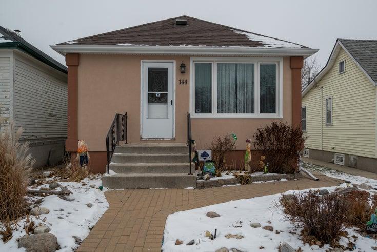 144 Kingsbury Avenue  - Winnipeg Single Family for sale, 2 Bedrooms (1830935)