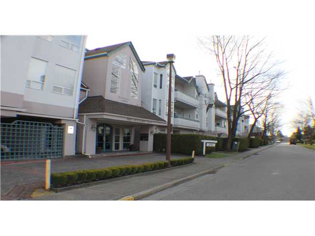 # 103 7500 ABERCROMBIE DR - Brighouse South Apartment/Condo for sale, 2 Bedrooms (V1052171)