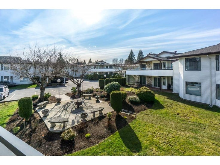 220 15153 98 AVENUE - Guildford Townhouse for sale, 2 Bedrooms (R2246707)