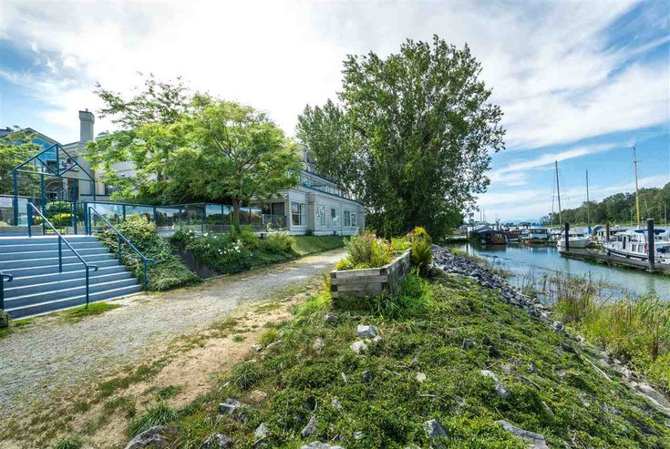 206 4733 W RIVER ROAD - Ladner Elementary Apartment/Condo for sale, 2 Bedrooms (R2402655)