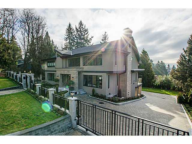 275 E OSBORNE RD - Upper Lonsdale House/Single Family for sale, 5 Bedrooms (V1031540)