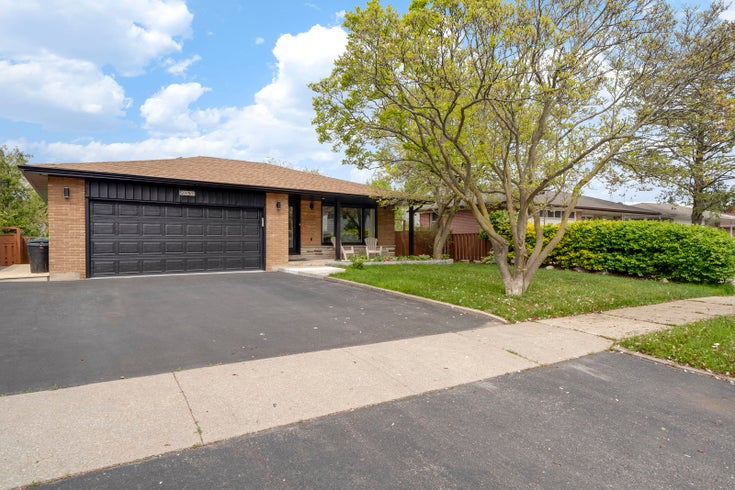 2151 Asta Drive, Mississauga, ON L5A 2T6 - Mississauga Single Family for sale, 4 Bedrooms (30738874)