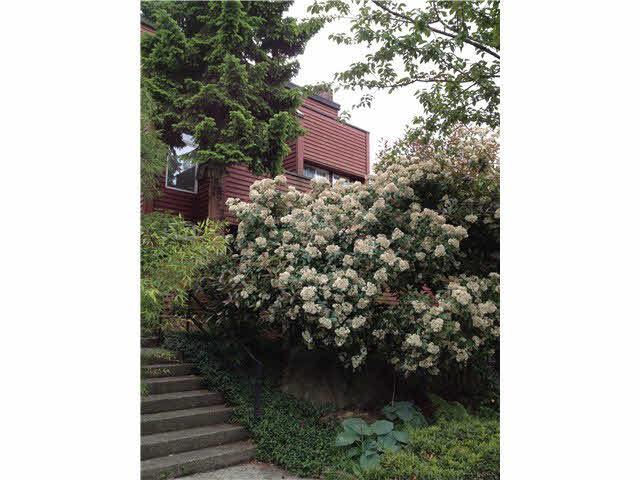 2140 W 6th Avenue - Kitsilano 1/2 Duplex for sale, 2 Bedrooms (V1009470)