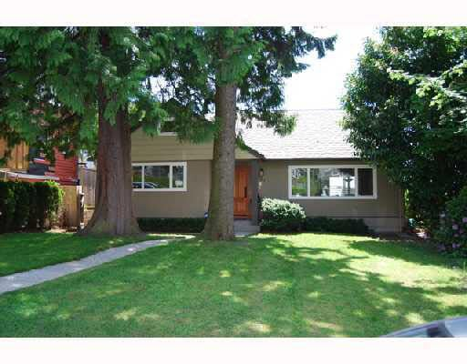 327 W 26th Street - Upper Lonsdale House/Single Family for sale, 6 Bedrooms (V714066)