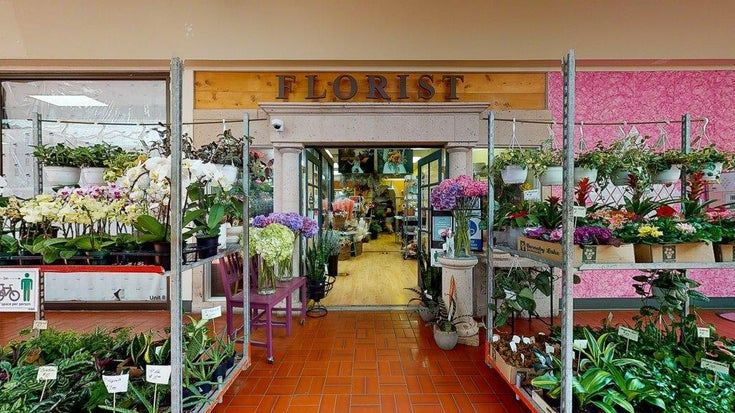 GIBSONS FLORIST - Gibsons & Area COMM for sale(C8038996)