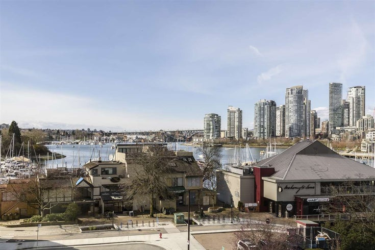 611 456 MOBERLY ROAD - False Creek Apartment/Condo for sale, 2 Bedrooms (R2444603)