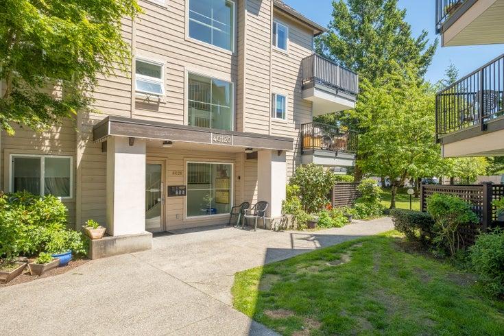 B303 40120 WILLOW CRESCENT - Garibaldi Estates Apartment/Condo for sale, 3 Bedrooms (R2584420)