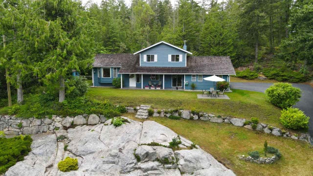 5885 SPRIGGS ROAD - Pender Harbour Egmont House with Acreage for sale, 3 Bedrooms (R2469737)