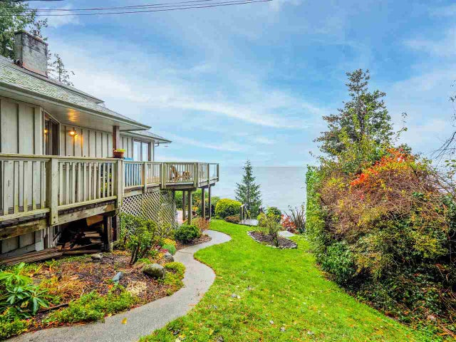 3427 BEACH AVENUE - Roberts Creek House/Single Family for sale, 4 Bedrooms (R2519025)