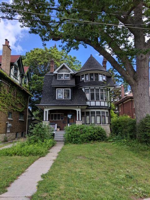 28 BURLINGTON CRESCENT - Wychwood HOUSE for sale, 7 Bedrooms (C4404431)