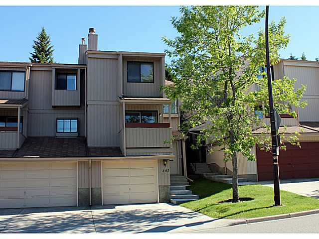 243 Berwick Dr Nw - Beddington Heights Row/Townhouse for sale, 2 Bedrooms (C3575733)