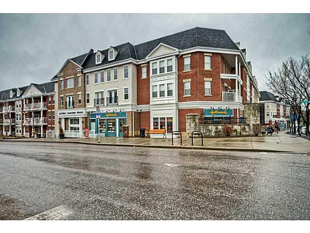 # 211 2233 34 Av Sw - Garrison Woods Apartment for sale, 1 Bedroom (C3613128)