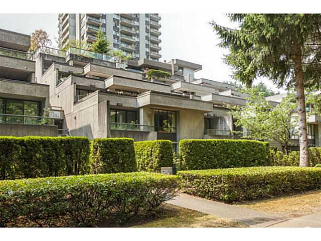 # T6001 3980 CARRIGAN CT - Government Road Townhouse for sale, 2 Bedrooms (V1133075)