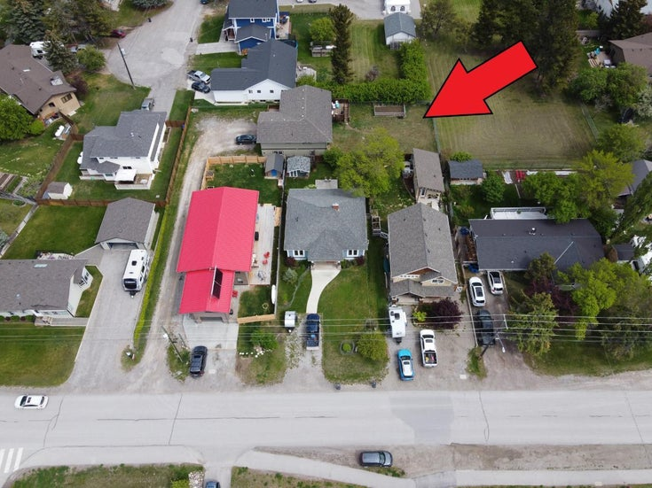 701 13TH AVENUE - Invermere House for sale, 3 Bedrooms (2458811)