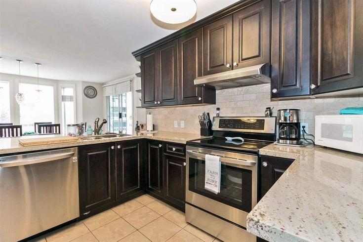 209 1675 AUGUSTA AVENUE - Simon Fraser Univer. Apartment/Condo for sale, 2 Bedrooms (R2269037)