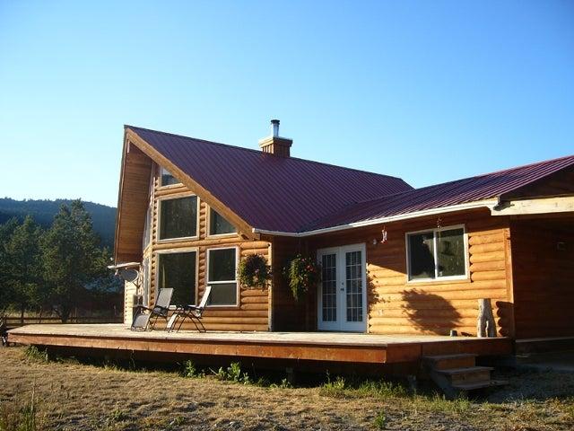 5305 33 Highway - Beaverdell Single Family for sale, 3 Bedrooms (10035186)