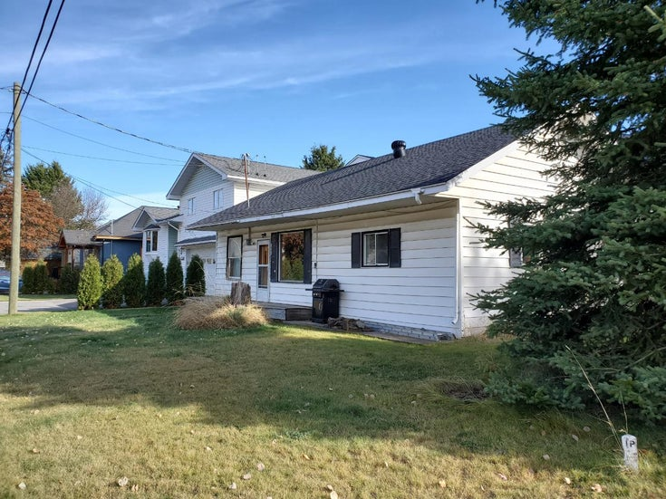 1002 5th Avenue  - Fernie Single Family for sale, 4 Bedrooms (2457170)