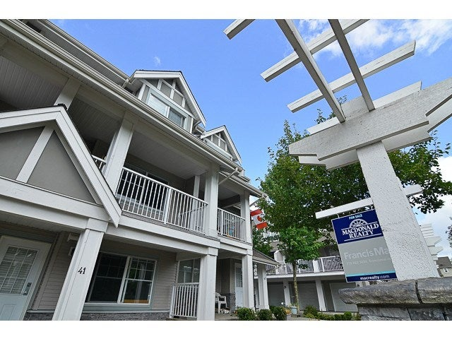 # 41 6555 192A ST - Clayton Townhouse for sale, 3 Bedrooms (F1448085)